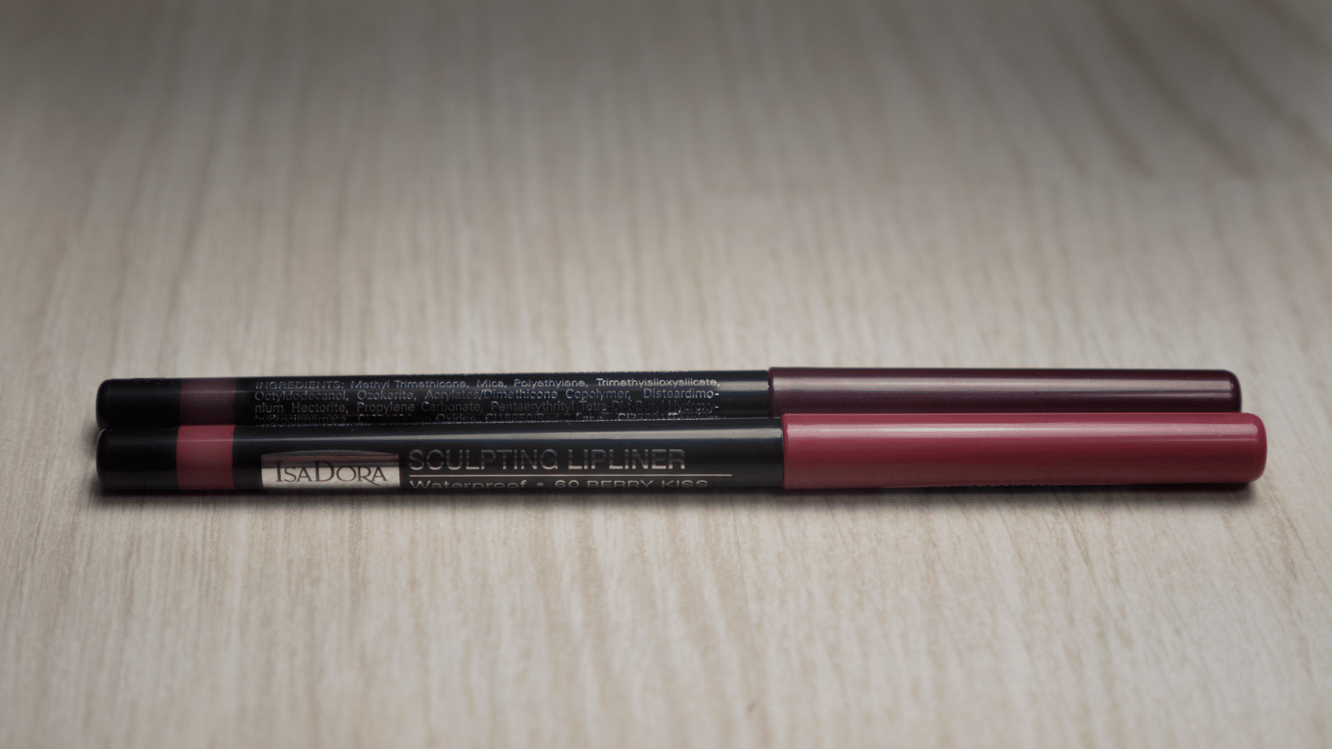 Sculpting Lipliner: 60 Berry Kiss, 68 Rum Raisin